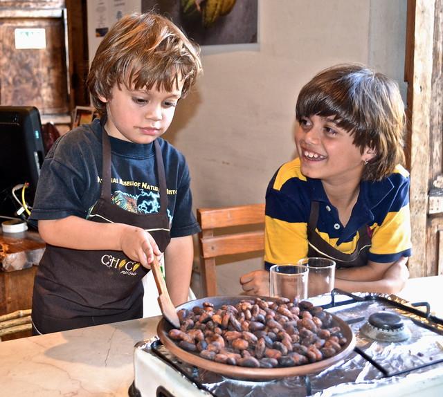 roasting chocolate beans