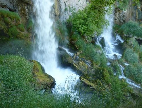green waterfall colorado riflefallsstatepark