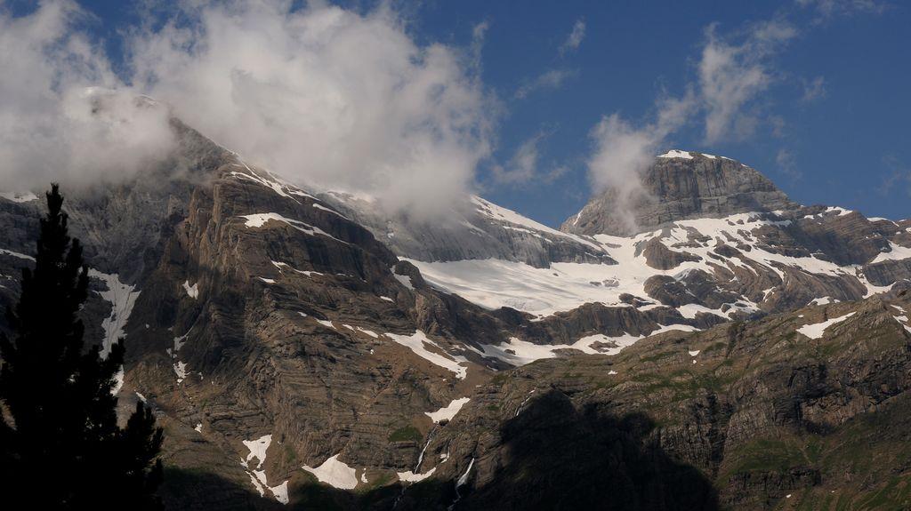 8. Balcón de Pineta y Monte Perdido cubierto de nieblas. Autor, Xoxote