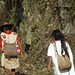 Couple on the road - Pareja en el camino entre Tenejapa y San Juan Cancuc, Chiapas, Mexico por Lon&Queta