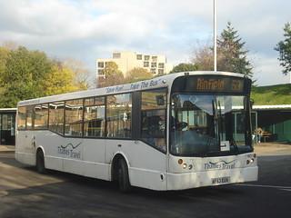 Thames Travel 401 on Route 53, Bracknell