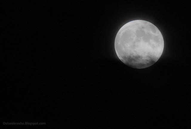 Mond 02