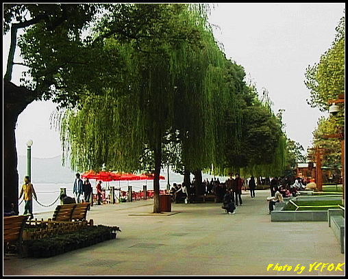 杭州 西湖 (其他景點) - 638 (湖濱路湖畔旁的雕塑)