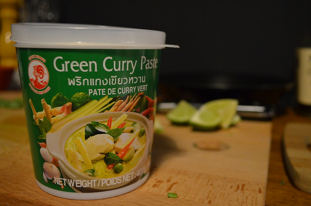 green curry thai turkey meatballs green curry paste packaging