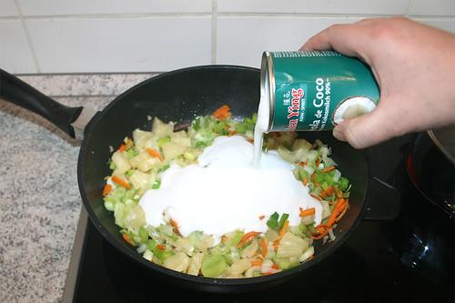 36 - Mit Kokosmilch ablöschen / Deglaze with coconut milk