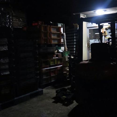 夜中の工場見学。