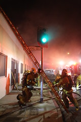 Commercial Fire Halted in San Fernando