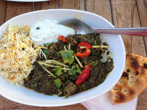 Lam i spinat med ris, raita og naan