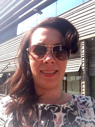 Toni & Guy, Malibutique, Victory Rolls, Raybans