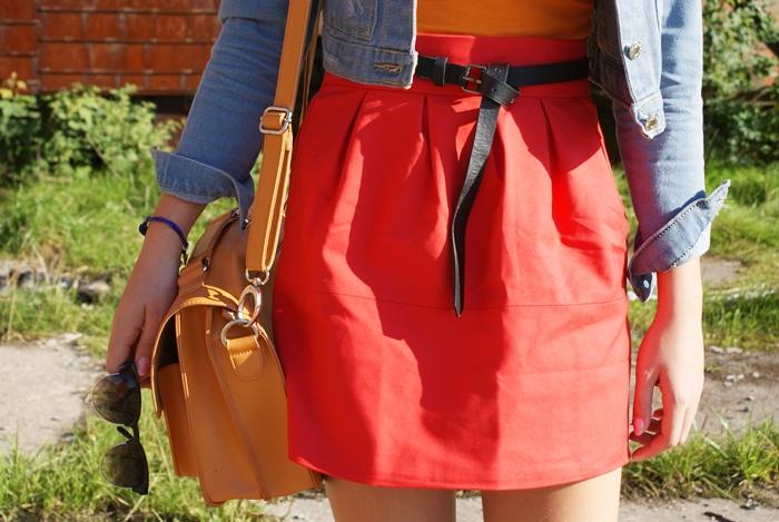 Idealna czerwona spódnica romwe