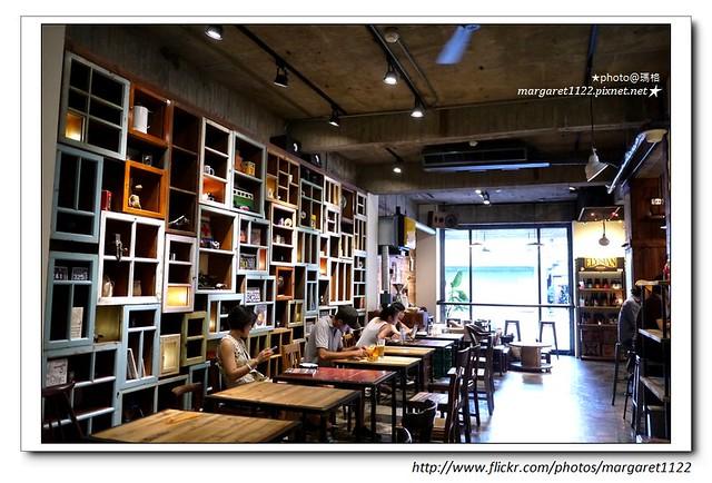 【台北好咖啡】Café Junkies小破爛咖啡館~泛民生社區的美式復古風