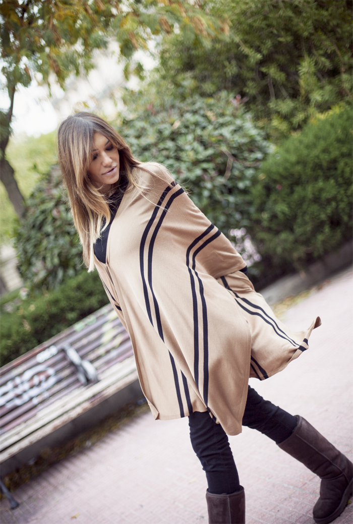 street style barbara crespo cpzy sheinside poncho ugg boots louis vuitton bag outfit fashion blogger
