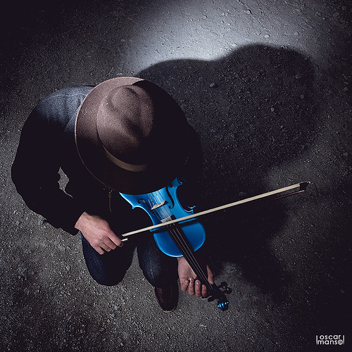 The blue violinist