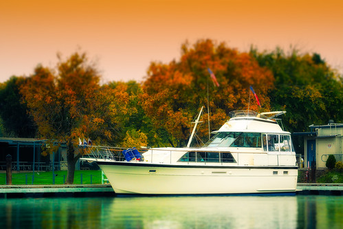 Yacht in Autumn by skip.kuebel