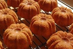 Mini amaretto cakes