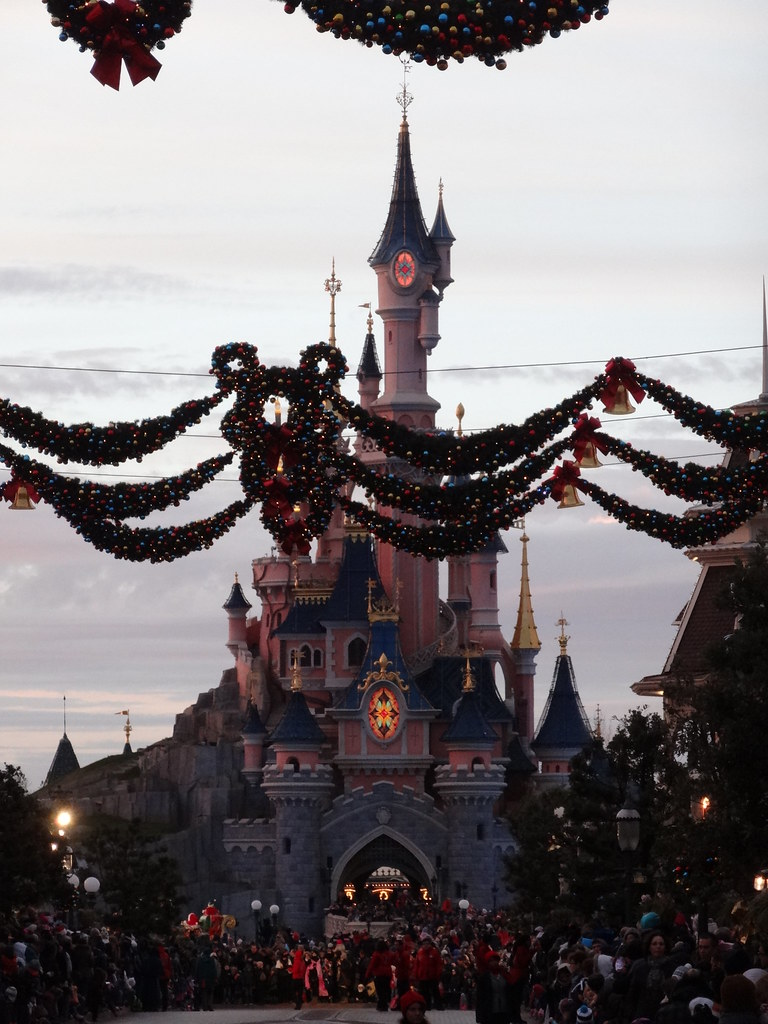Un séjour pour la Noël à Disneyland et au Royaume d'Arendelle.... - Page 4 13695730603_f1838e7ef3_b