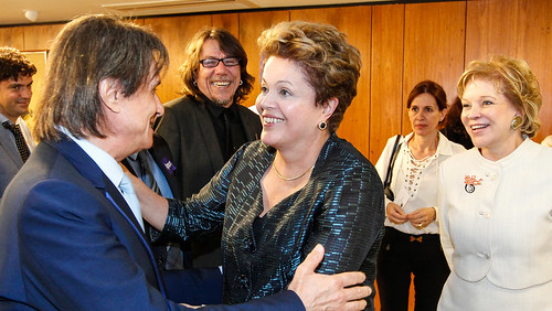 03/07/13 | Presidenta Dilma Rousseff recebe artistas no Palácio do Planalto. Foto: Roberto Stuckert Filho/PR.