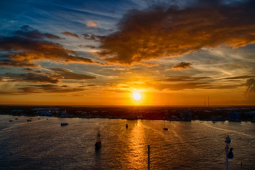 ocean blue orange water clouds sunrise boats island ships georgetown grandcayman canonrebelxsi