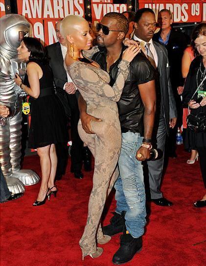 Kanye-Amber-VMA-2009