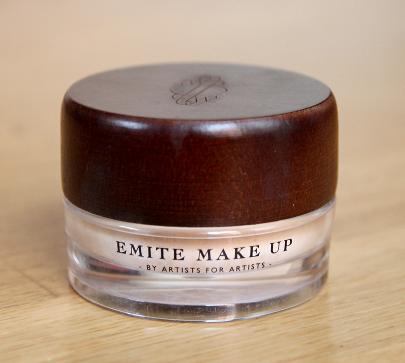 Emite mineral foundation1