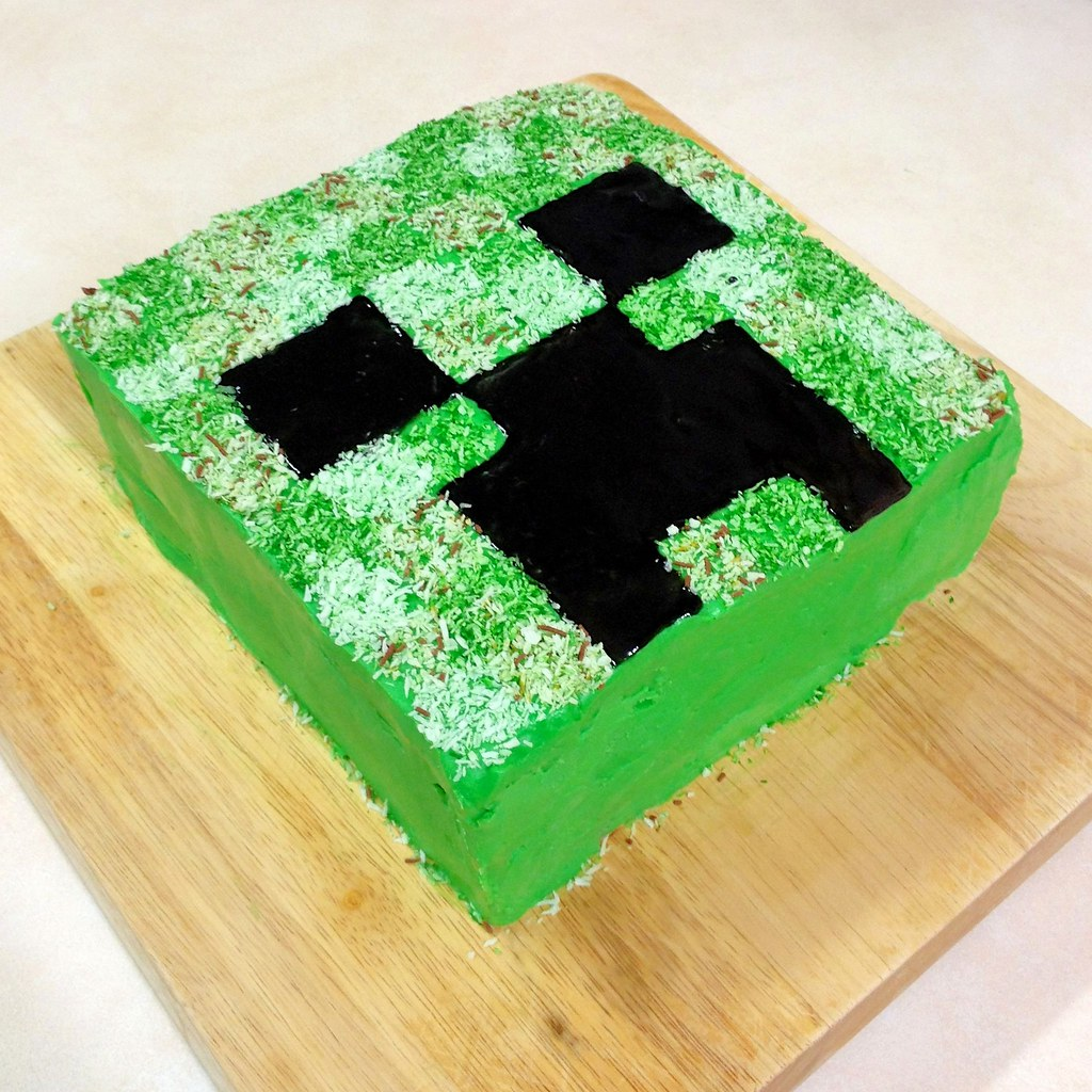 Minecraft Creeper Cake Another View Of The Minecraft Creep Flickr