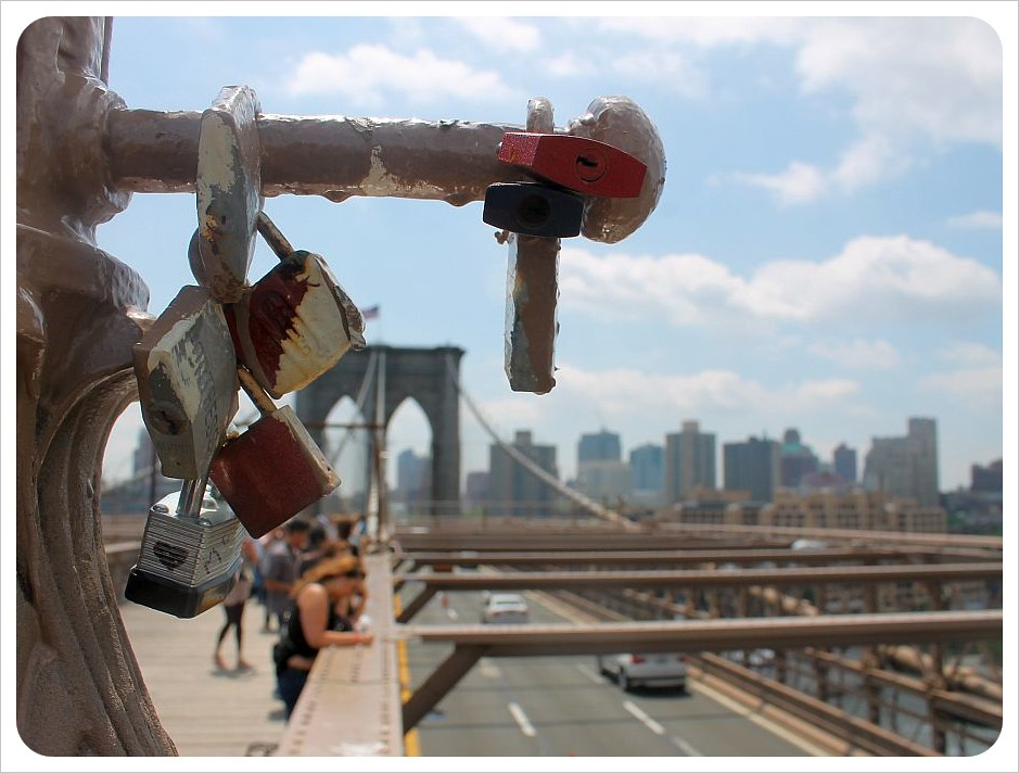 brooklyn bridge with lovelocks
