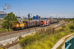 Cargometro y 353 en Cornellà