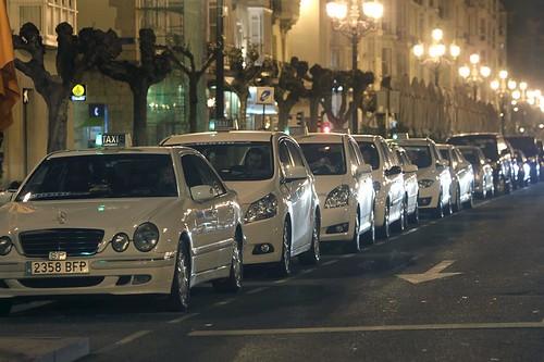 Las paradas de taxi de General D�vila y El Alisal se ver�n mejoradas