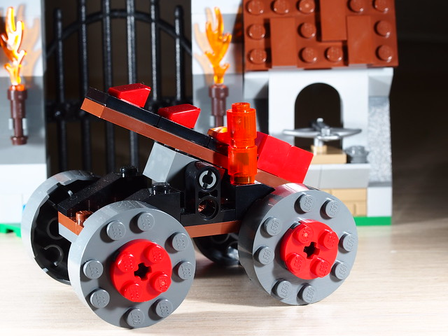 P9085182 LEGO 70402