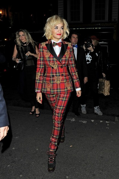 Rita-Ora-in-a-Moschino-Fall-2013