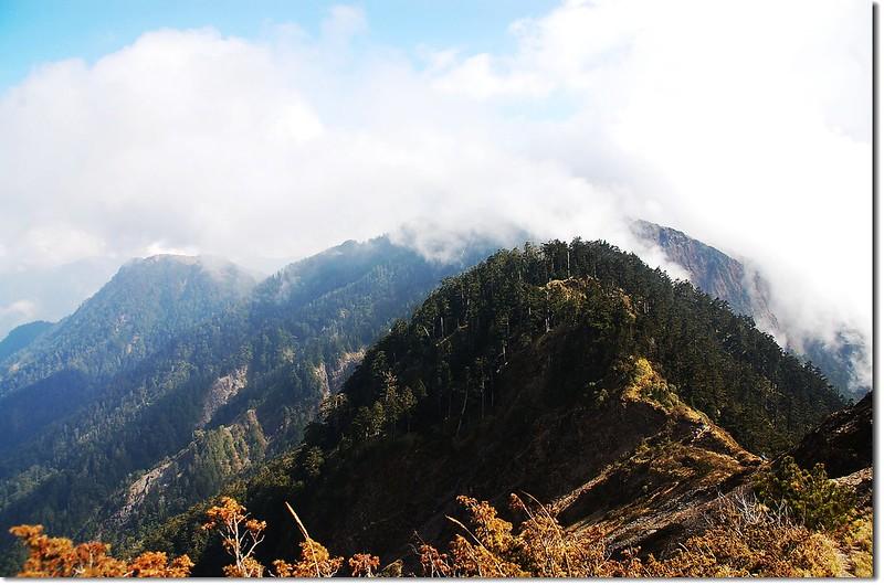 霧鎖干卓萬斷崖 1