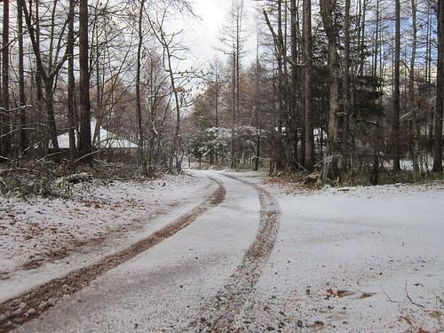 家の前の初の積雪 2013年11月15日14:47 by Poran111
