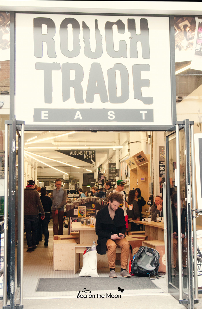 London-music-store-rough-trade 01