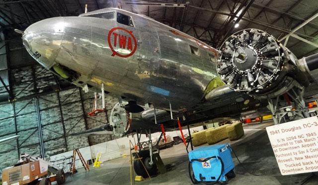 1941-douglas-DC3