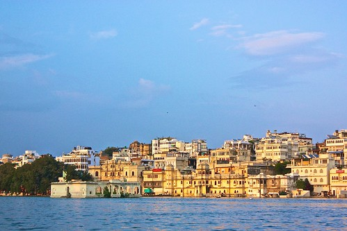 Udaipur boat tour