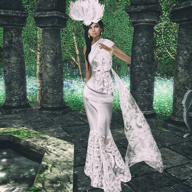 Virtual Diva – Under Gown