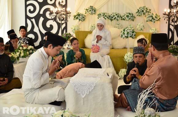 8923137712 6782595841 o Gambar Perkahwinan Izzue Islam dan Awin Nurin