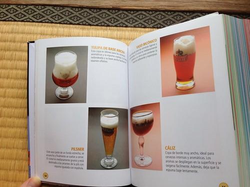 Cervezas y vasos