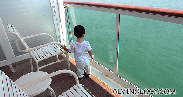 There is an attached balcony facing the ocean!