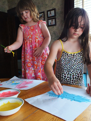 Lucy and Julia painting