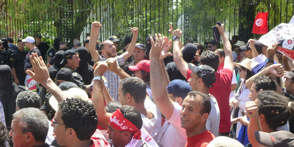 Protesters near the National Constituent Assembly building in Bardo, July 28, 2013. Image credit: Tristan Dreisbach, Tunisia Live