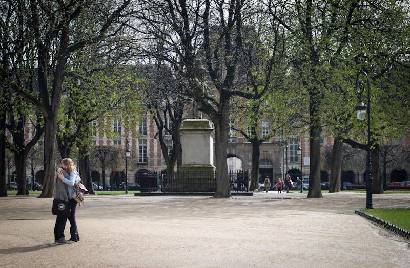 Paris, Embrace in Place des Vosges