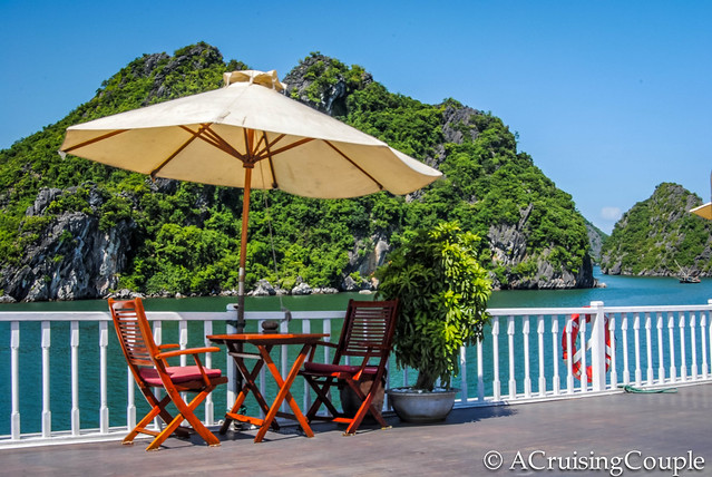 Halong Bay table and chairs