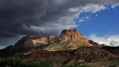sky usa mountain clouds utah us nationalpark bluesky thunderstorm zionnp springdale