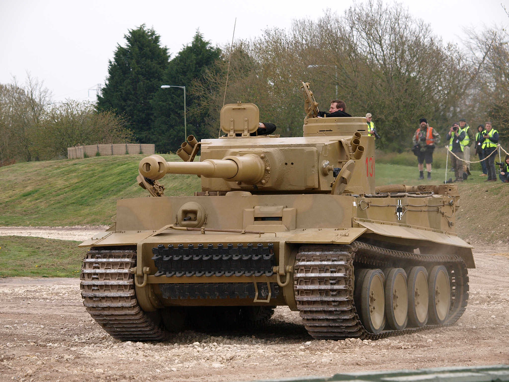 Tiger Tank in action - WalkAround - English