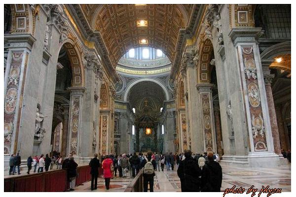 1108880016_聖彼得大教堂內部