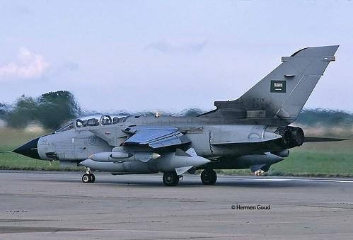 الموسوعه الفوغترافيه لصور القوات الجويه الملكيه السعوديه ( rsaf ) - صفحة 6 11254861576_f99dd3f0f2