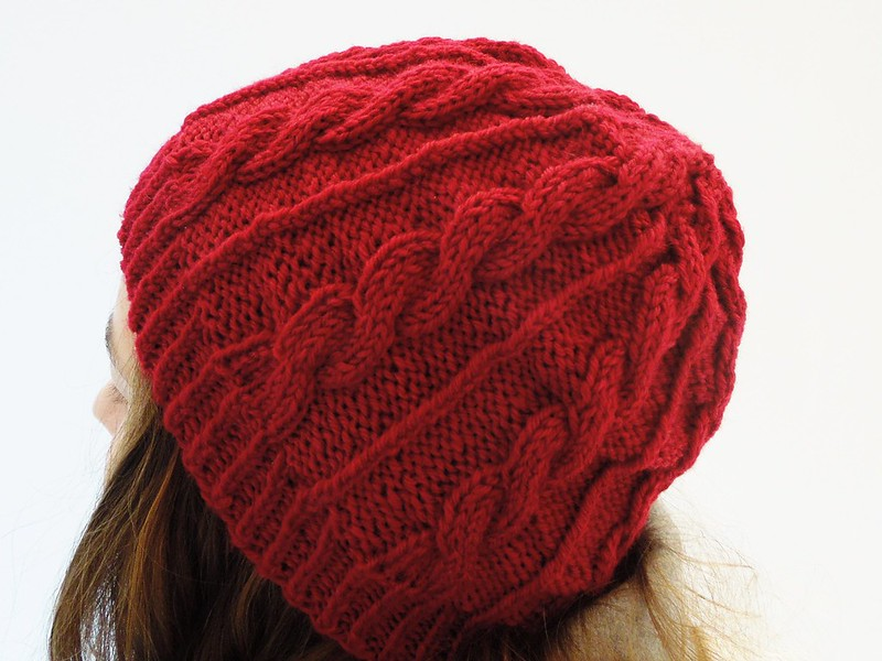 Striftό cabled hat pattern by Alexandra Nycha