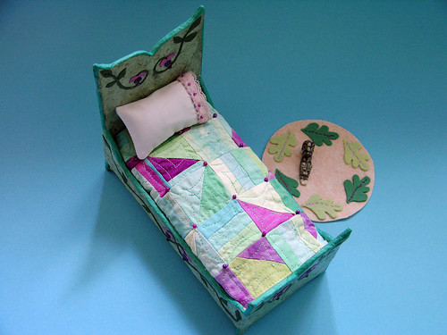 handmade quilt for doll bed