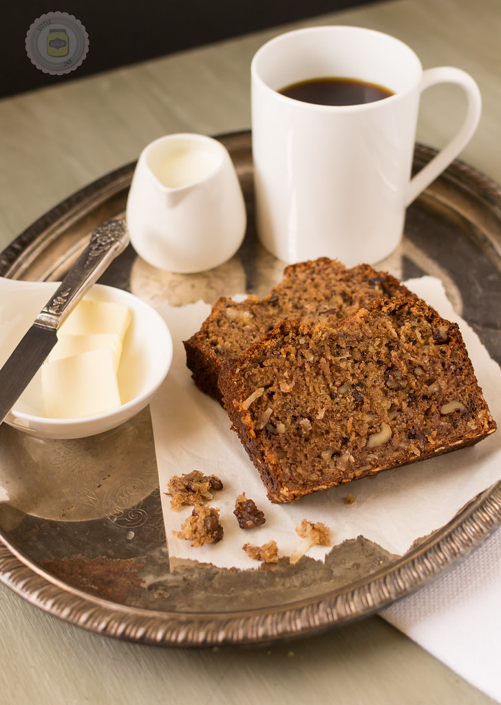 THE VERY BEST NUTTY BANANA BREAD